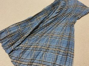 スカートの色